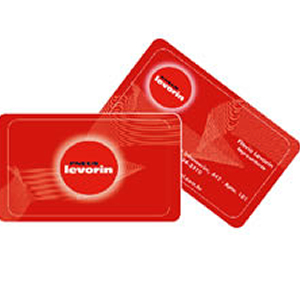 Cartão de visita em PVC branco ou transparente